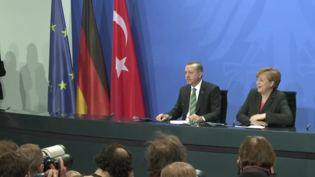 stockvideo's en b-roll-footage met turkish prime minister recep tayyip erdogan urged germany tuesday to step up support for turkey's european union entry bid but acknowledged his... - bod