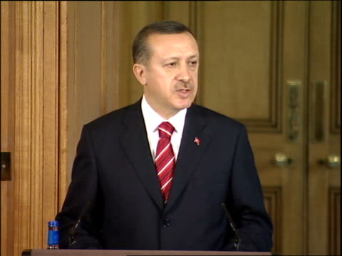 vídeos y material grabado en eventos de stock de turkish prime minister tayyip erdogan at downing street press conference tayyip erdogan press conference sot happy to announce we have come to point... - eco tourism