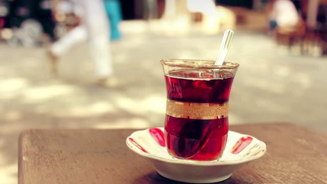 Turkiskt te handhållna skott