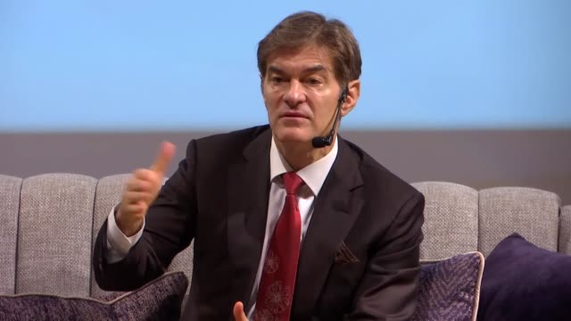 turkish-american cardiac surgeon and talk show host dr. mehmet oz on friday called for helping syrian youth in shaping their bright future. speaking... - istanbul province stock videos & royalty-free footage