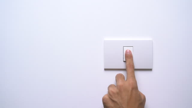 vidéos et rushes de allumez et éteignez un interrupteur - interrupteur