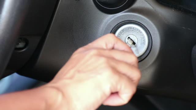 お客様には、車高解像度(HD )