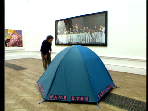 tracey emin tracey emin interview sot talks of turner prize not being enough tent embroidered with names of people emin has slept with entitled... - festzelt stock-videos und b-roll-filmmaterial
