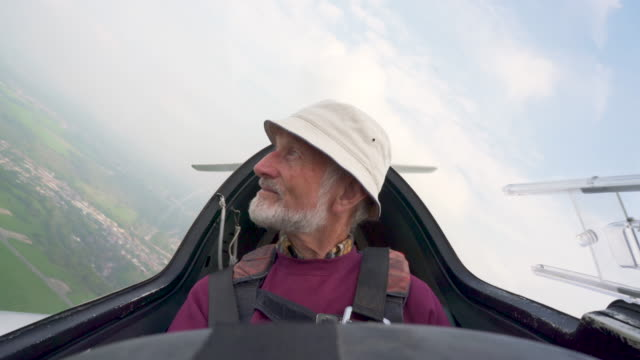 turning in a  glider - senior men stock videos & royalty-free footage