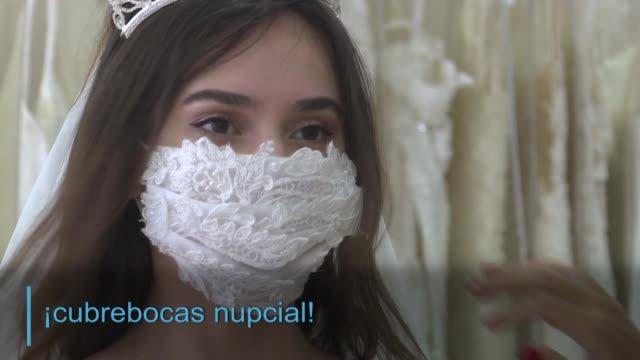 TUR: Cubrebocas para novias, nuevo accesorio en Turquía