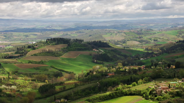 t/l ha tuscan countryside east of san gimignano, italy - tuscany stock videos & royalty-free footage