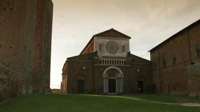 vídeos y material grabado en eventos de stock de tuscania - grupo mediano de animales