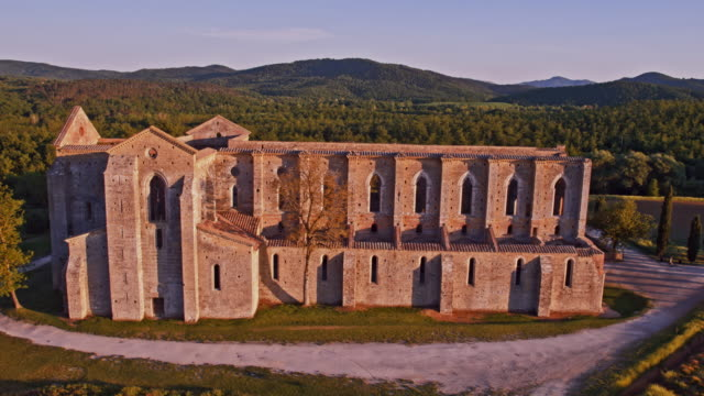 tuscany abbey - abbey stock videos & royalty-free footage