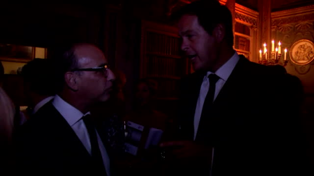 tusk trust royal patron prince william was the guest of honour at the anniversary ball to protect endangered wildlife in africa. shows theo paphitis... - 光栄点の映像素材/bロール