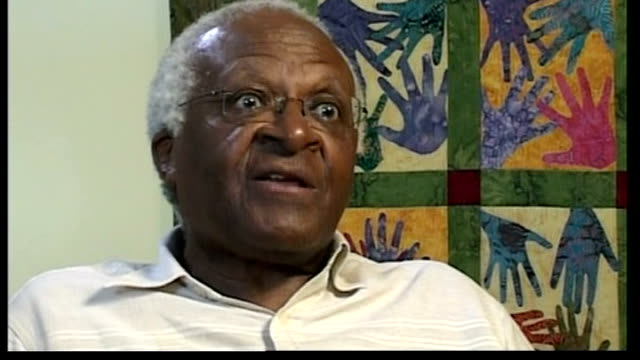 vidéos et rushes de tutu urges china to use its influence over darfur or face possible beijing olympic boycott; south africa: int archbishop desmond tutu interview sot - tutu