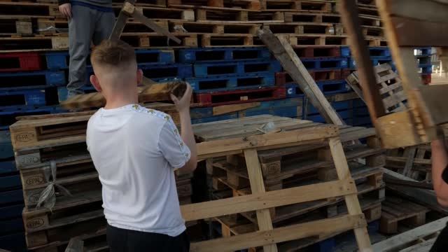 calls for calm heeded as loyalist bonfires are lit in northern ireland; northern ireland: portadown: corcrain: ext / night **music heard sot**... - headphones stock videos & royalty-free footage