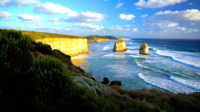 twelve apostles and limestone cliffs southern ocean australia - port campbell national park stock videos & royalty-free footage