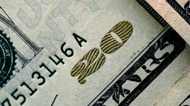 20 US-Dollar Rechnungen schnell bewegenden close-up details