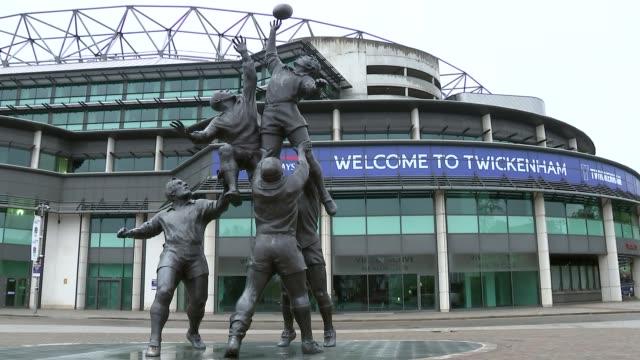 vídeos de stock e filmes b-roll de twickenham stadium gvs; england: london: twickenham: ext further gvs of closed twickenham stadium including 'welcome to twickenham' sign over... - torniquete divisa