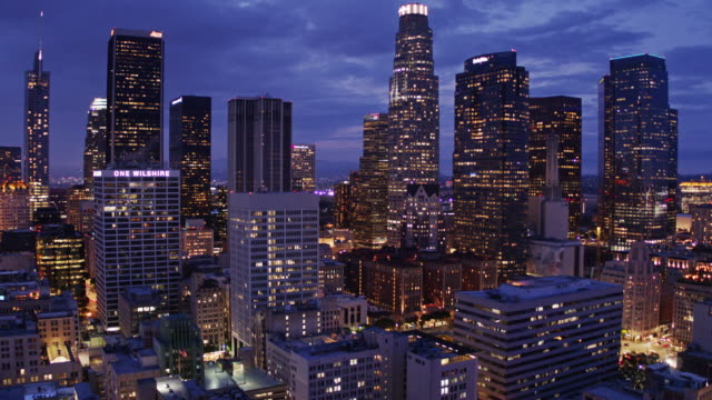 twilight in downtown los angeles - drone shot - city of los angeles stock-videos und b-roll-filmmaterial