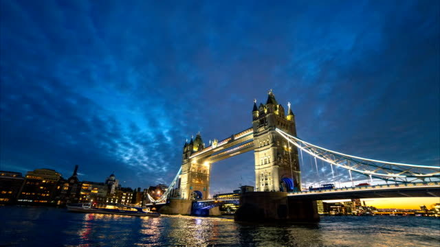 twilight london tower bridge time lapse, england, uk - tower of london stock videos & royalty-free footage