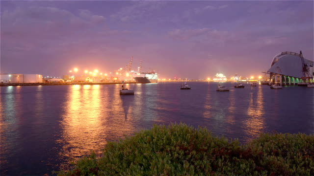twilight wa maritime museum and fremantle port from fremantle south mole, western australia/ australia - フリーマントル点の映像素材/bロール