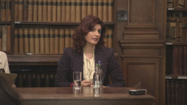 INTERVIEW Twinkle Khanna on Muruganantham's hesitation to having his story made into a movie at 'Pad Man' Producer Twinkle Khanna addresses The...