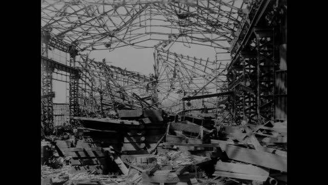 vidéos et rushes de twisted steel buildings and former munitions factories in post abomb nagasaki - 1945