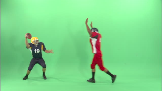 WS, Two American football players in studio