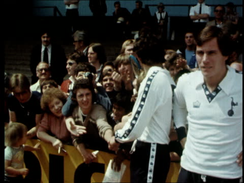 two argentinian players join tottenham hotspur england london tottenham ms spurs team pose for pictures cms cameras cs ardiles cs villa ms crowd ms... - 1978 stock-videos und b-roll-filmmaterial