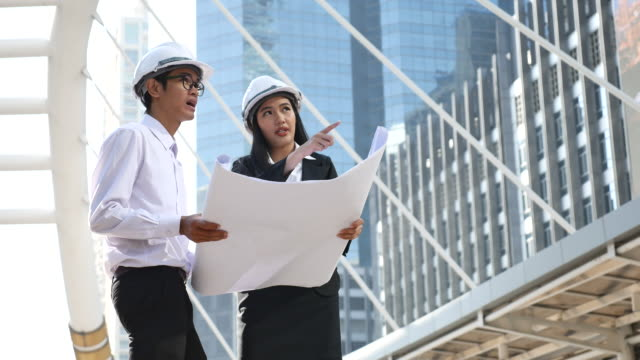 Two Engineering meeting in Construction