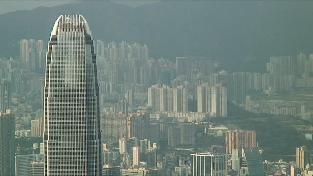 stockvideo's en b-roll-footage met ms ha two international finance centre with cityscape in background, hong kong, china - hong kong