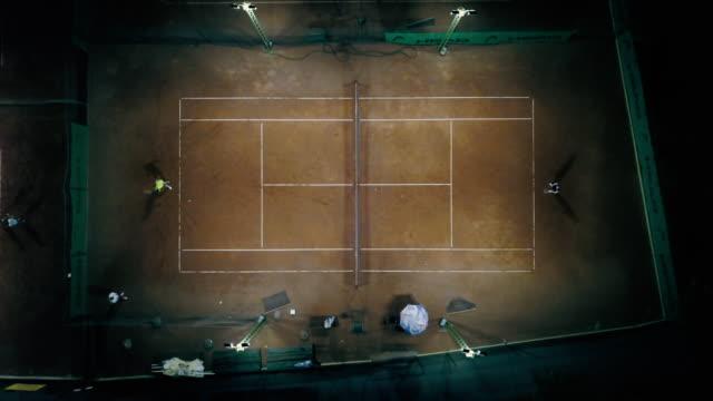 vídeos y material grabado en eventos de stock de dos personas jugando al tenis - tenis