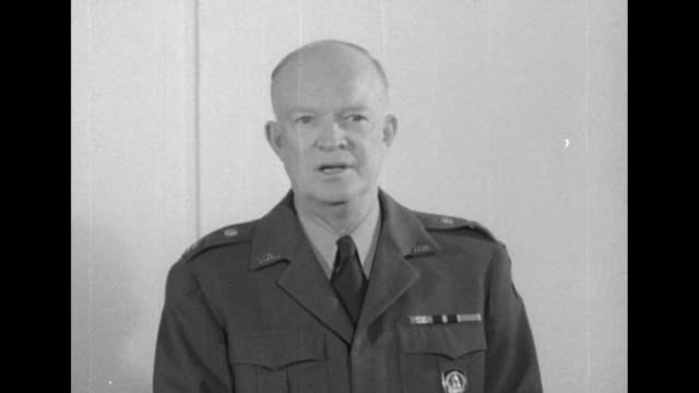 vidéos et rushes de two shots of gen dwight eisenhower commander of allied command operations for nato talking to camera about importance of nato forces / note exact day... - voix