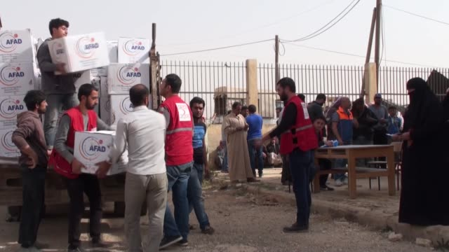 Two Turkish humanitarian agencies this week distributed food aid to some 1500 families in northwestern Syria Turkey's Disaster and Emergency...