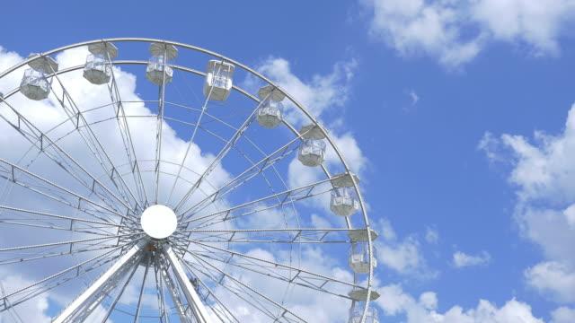 Two videos of ferris wheel in 4K