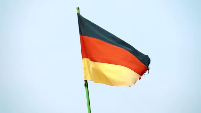Zwei Videos der deutschen Flagge in echte Zeitlupe
