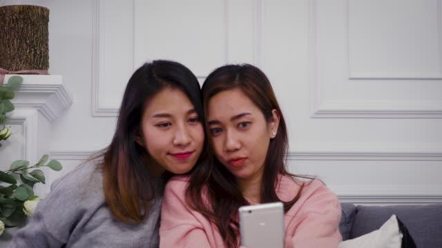 Lesbische jonge Video's
