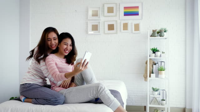lesbi-video-cherez-telefon