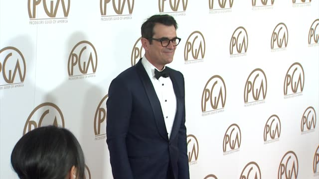 vídeos de stock, filmes e b-roll de ty burrell at 26th annual producers guild awards in los angeles ca - ty burrell