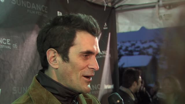 vídeos de stock, filmes e b-roll de ty burrell at the 2006 sundance film festival the darwin awards premiere at the eccles theatre in park city utah on january 25 2006 - ty burrell