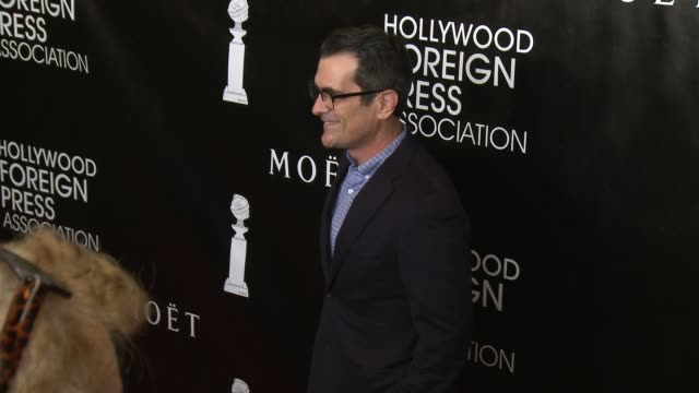 vídeos y material grabado en eventos de stock de ty burrell at the hollywood foreign press association's annual grants banquet dinner at the beverly wilshire four seasons hotel on august 13 2015 in... - ty burrell