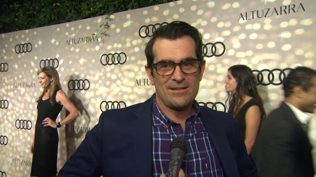 vídeos de stock, filmes e b-roll de interview ty burrell on being nominated at audi and altuzarra kick off emmy week 2013 interview ty burrell on being nominated at audi at cecconi's... - ty burrell