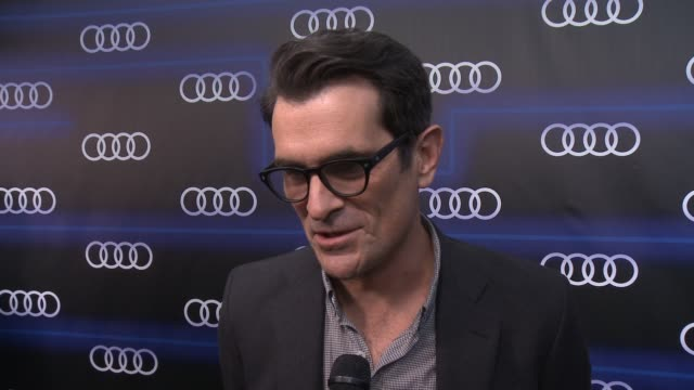 vídeos y material grabado en eventos de stock de interview ty burrell on the night being nominated how he's preparing for the big night what he's going to be wearing the last thing he does before... - ty burrell