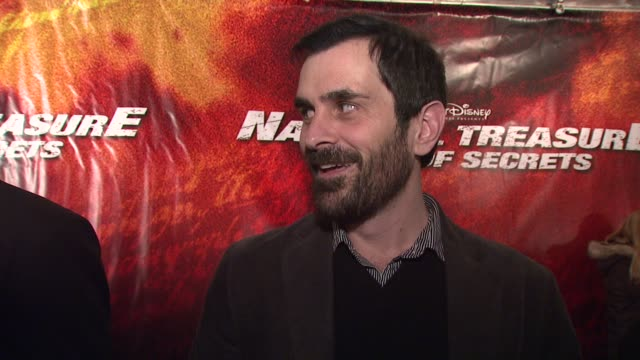 vídeos de stock, filmes e b-roll de ty burrell talks about his character in the movie talks about how fun it was working with the talented cast nicolas cage and traveling around the... - ty burrell