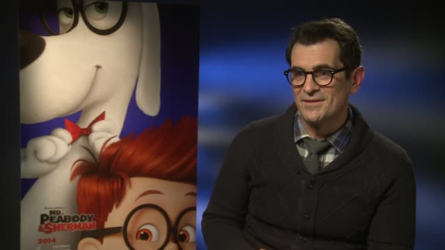 vídeos y material grabado en eventos de stock de interview ty burrell talks about sharing similarities with his character mr peabody at 'mr peabody sherman' interviews at on february 7 2014 in... - ty burrell