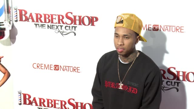stockvideo's en b-roll-footage met tyga at barbershop the next cut los angeles premiere at tcl chinese theatre on april 06 2016 in hollywood california - tcl chinese theatre