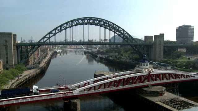 tyne bridges, newcastle upon tyne - tyne bridge stock videos & royalty-free footage