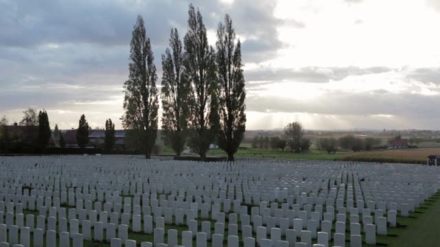 WS Tyne Cot Cemetery is the largest Commonwealth cemetery in the world with 11956 Commonwealth servicemen of the First World War buried or...