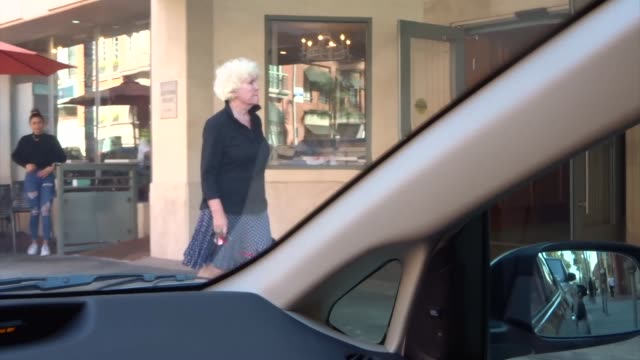 tyne daly runs errands in beverly hills at celebrity sightings in los angeles on august 30 2019 in los angeles california - tyne daly stock videos and b-roll footage