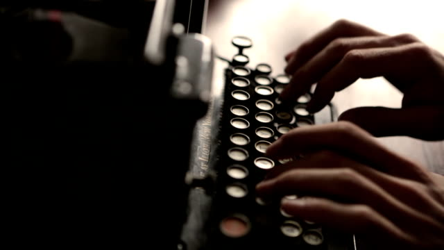 stockvideo's en b-roll-footage met typewriter      cm  co - retro style
