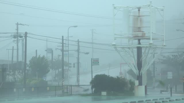 stockvideo's en b-roll-footage met typhoon trami brought strong winds and https://twitter.com/oki_hibiscus/status/1045959677228441600 flash flooding to okinawa on saturday morning,... - https