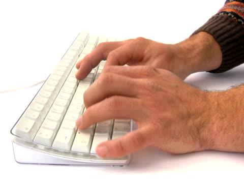 ntsc: typing - människofinger bildbanksvideor och videomaterial från bakom kulisserna