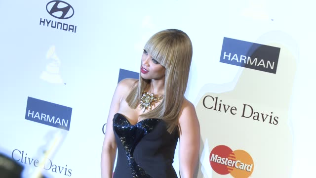 tyra banks at pre-grammy gala & salute to industry icons with clive davis honoring antonio l.a. reid 2/9/2013 in beverly hills, ca. - タイラ・バンクス点の映像素材/bロール