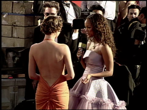 tyra banks at the 2000 academy awards at the shrine auditorium in los angeles, california on march 26, 2000. - 第72回アカデミー賞点の映像素材/bロール